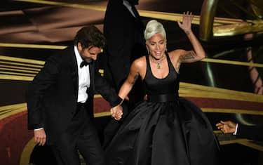 Lady Gaga Vince L Oscar Con Shallow Il Testo