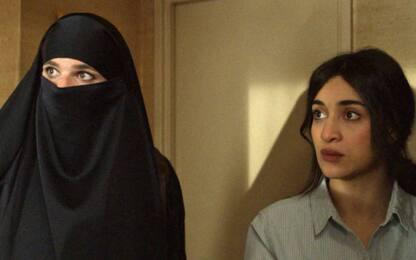Due sotto il burqa, la commedia che si fa beffa dell'integralismo
