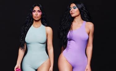 01-Kylie-Jenner-Kim-Kardashian-k