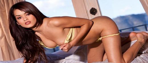 daisy-marie-nuda-sul-letto