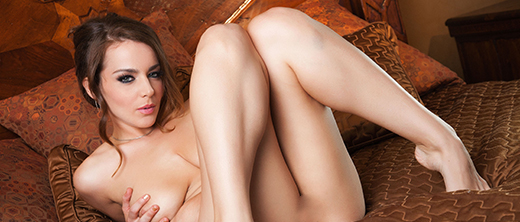 natasha-nice-nuda-sul-letto