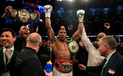 Boxe, trionfo di Joshua a Wembley. Klitschko ko