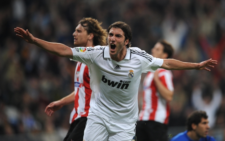 Sguardo al cielo dopo un gol con il Real (getty)