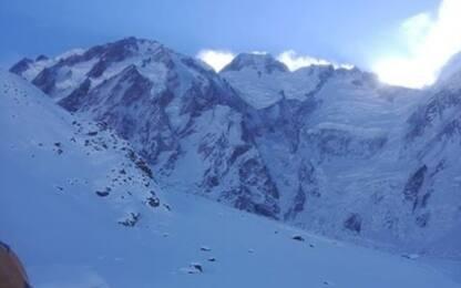 Nardi-Ballard: avvistata tenda invasa dalla neve
