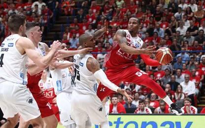 Basket, Milano-Trento 90-80: Olimpia avanti 2-0