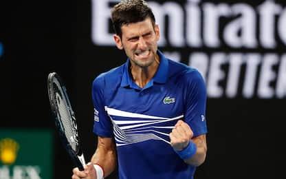Aus Open: Djokovic ai quarti, Zverev out