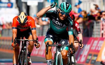 Giro: trionfo Benedetti, Polanc nuova Maglia Rosa