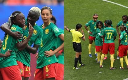 """Camerun, pianti dopo il Var: """"Non giochiamo più"""""""