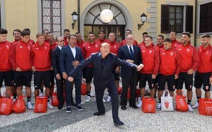 Il Monza a lezione da Silvio Berlusconi. FOTO