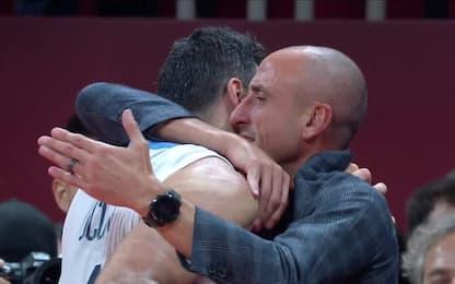 Trionfo Argentina, abbraccio Scola-Ginobili. VIDEO