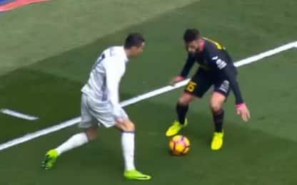 Elastico + tunnel, il numero di Ronaldo è già cult