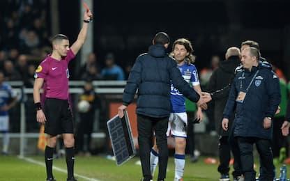 Ligue 1, fa cadere tabellone quarto uomo: espulso
