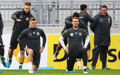 """Bayern, operato Neuer. E Kroos: """"Non avere fretta"""""""