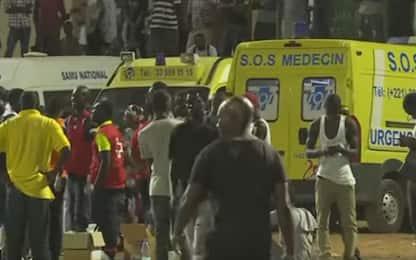 Dakar, crolla il muro dello stadio: nove morti
