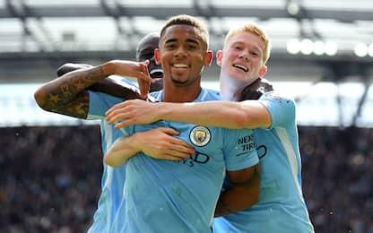 Doppi Gabriel Jesus e Sané: City-Liverpool 5-0