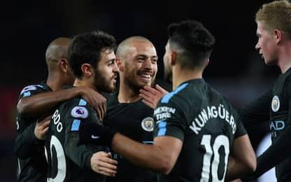 City da record! United ok, pari per il Liverpool
