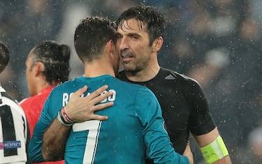 abbraccio_CR7_buffon_gety