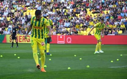 Ligue 1, a Nantes piovono... palline da tennis