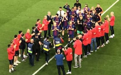 Piqué la risolve in famiglia: auto pasillo Barça