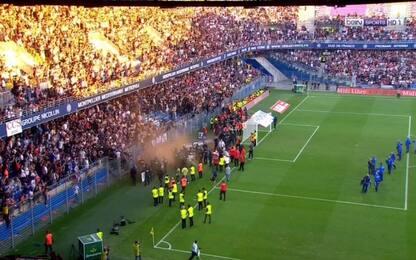 Montpellier, cede una balaustra: due feriti