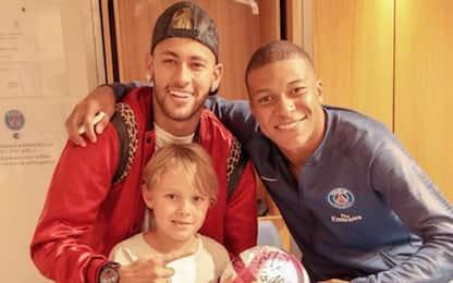 Mbappè, 4 gol e nuovo fan: è il figlio di Neymar