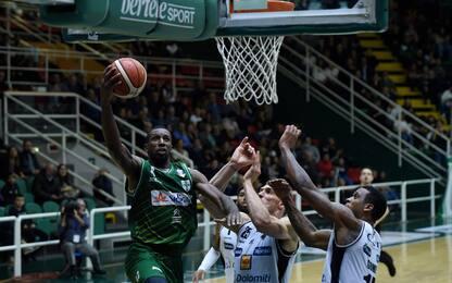 Trento senza... Energia, vince Avellino 110-72