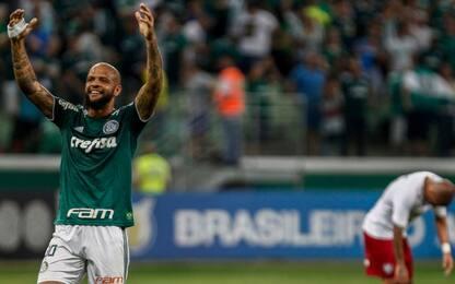 Brasile, golazo di Felipe Melo. VIDEO