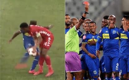 Follia Erasmus: rosso per calcione senza senso