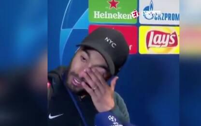 Lucas rivede il gol e scoppia in lacrime: IL VIDEO