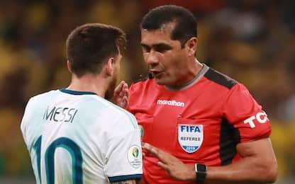 """L'arbitro a Messi: """"Ha perso e cerca un colpevole"""""""