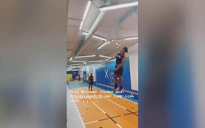 Van Dijk come Michael Jordan: salto da record