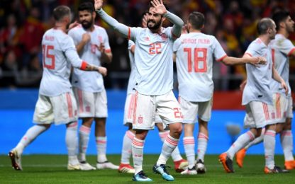 Il Real vince, Bernabeu pieno di bandiere spagnole