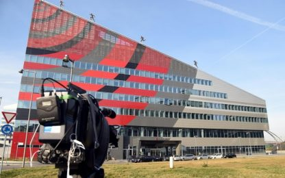 Closing Milan, nuovo contratto in mano a SES