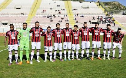 Taranto, calciatori e dirigenti aggrediti