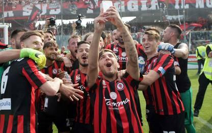 Pari a Fondi, delirio Foggia: è Serie B