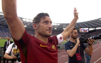 """La lettera di Totti: """"Vi ho dato 28 anni di amore"""""""