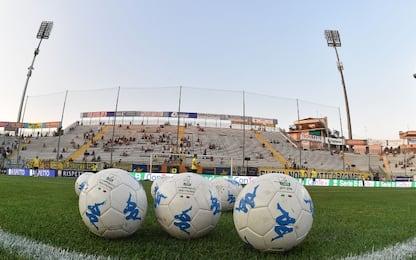 Ennesima fumata nera, Serie B commissariata