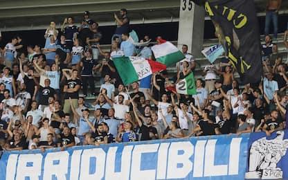 Caso adesivi, Daspo per 13 tifosi della Lazio