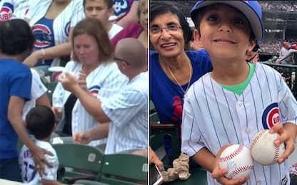 MLB, bimbo scippato della palla. I Cubs rimediano