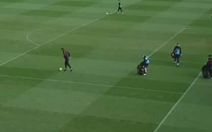 Magia di Terry per raccogliere i palloni. VIDEO