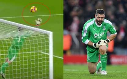 Speroni, che fai? Papera con il Liverpool! VIDEO