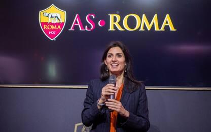 """Stadio Roma, Raggi: """"Il progetto andrà avanti"""""""