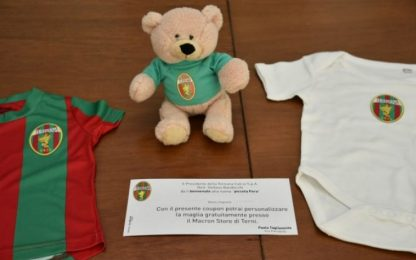 Ternana, kit rossoverde in regalo ai neonati