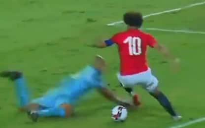 Salah show, la finta disorienta il portiere: VIDEO