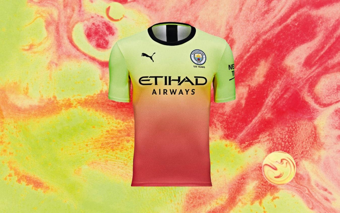 Manchester City, addio tradizione: ecco la terza maglia. FOTO ...