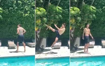 Ibra ninja: calcio volante all'albero! VIDEO