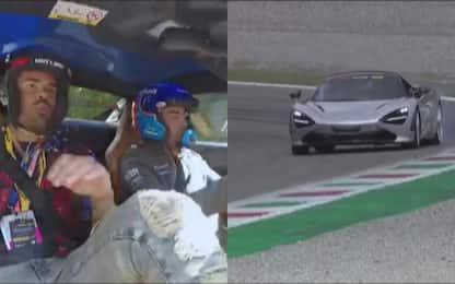 Petagna, giro di pista a Monza con Alonso. VIDEO