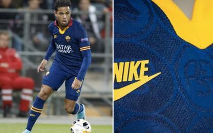Roma, terza maglia modificata in Europa League