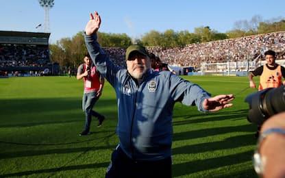 Maradona perde ancora: lacrime e scuse ai tifosi