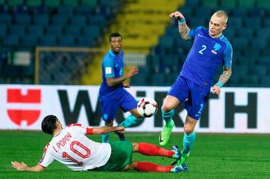 Roma, nuova offerta per Karsdorp del Feyenoord